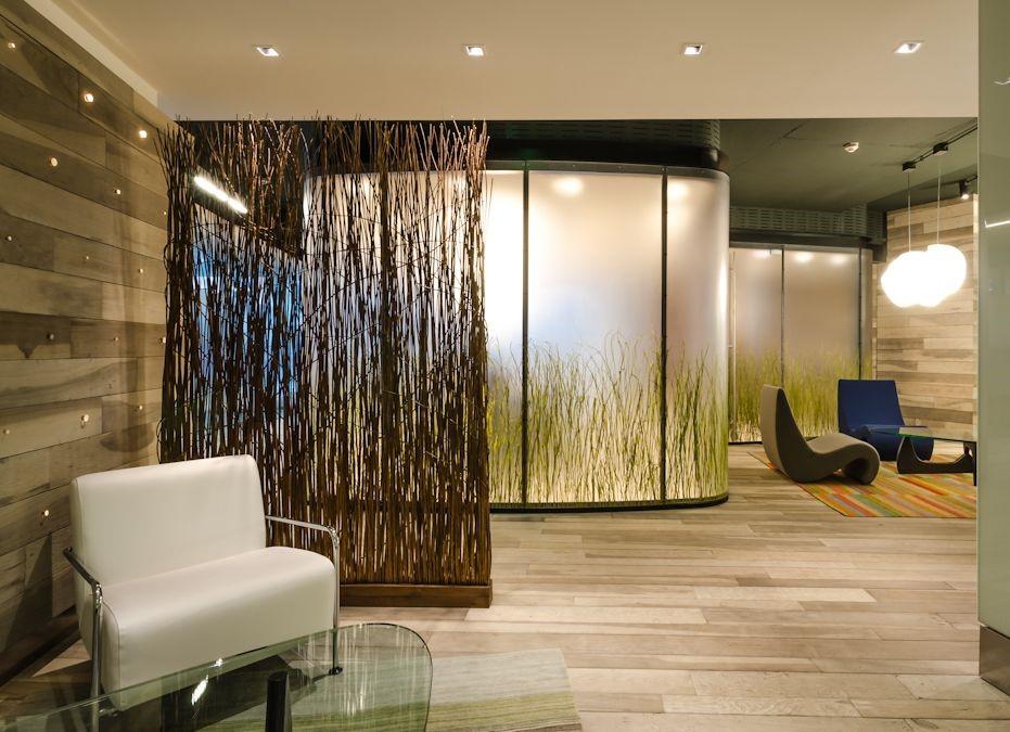 Separadores de ambiente y cierres de oficina enews hunterdouglas destacados - Estanterias separadoras de ambientes ...
