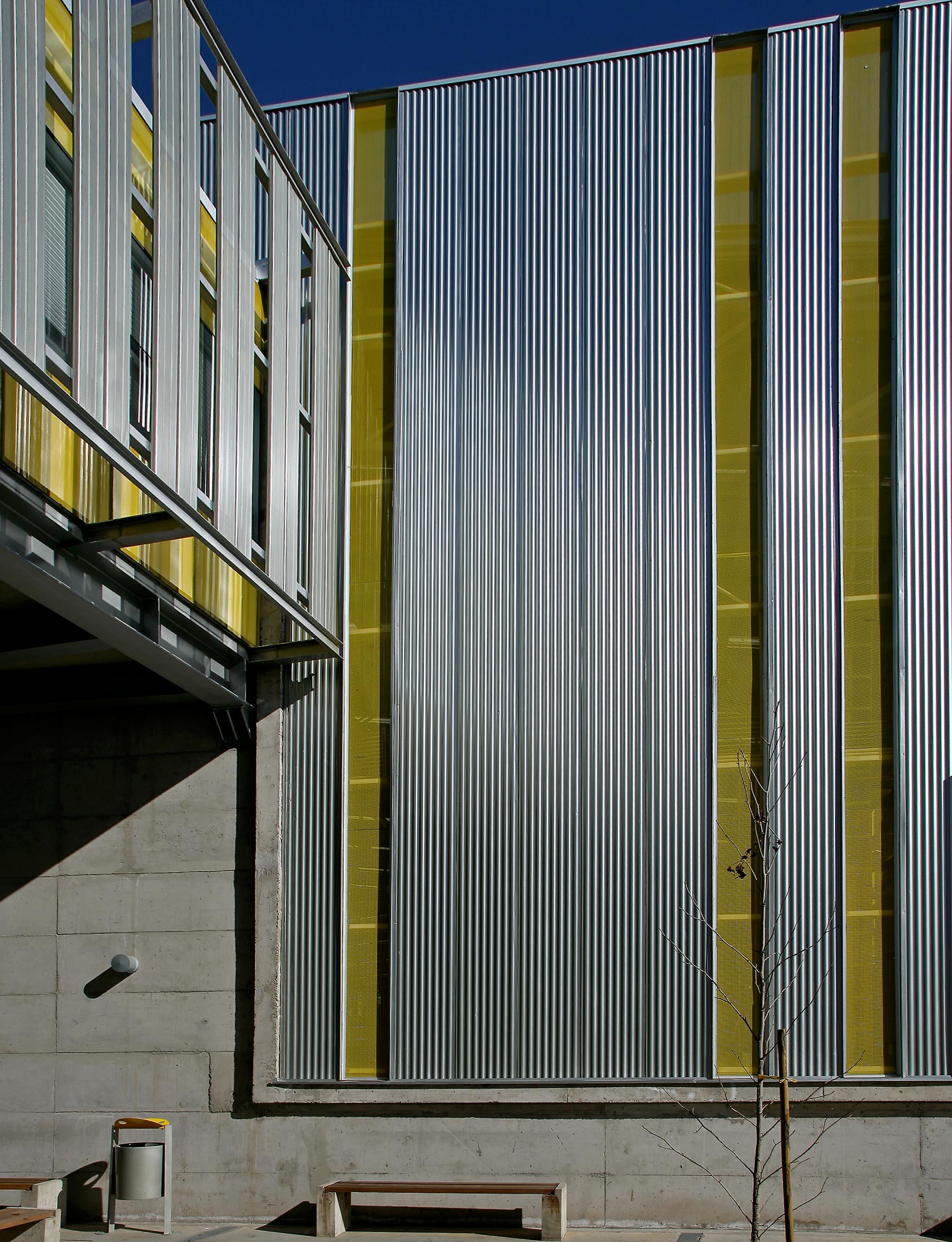 Sandwich wall hunterdouglas for Paneles aislantes para fachadas