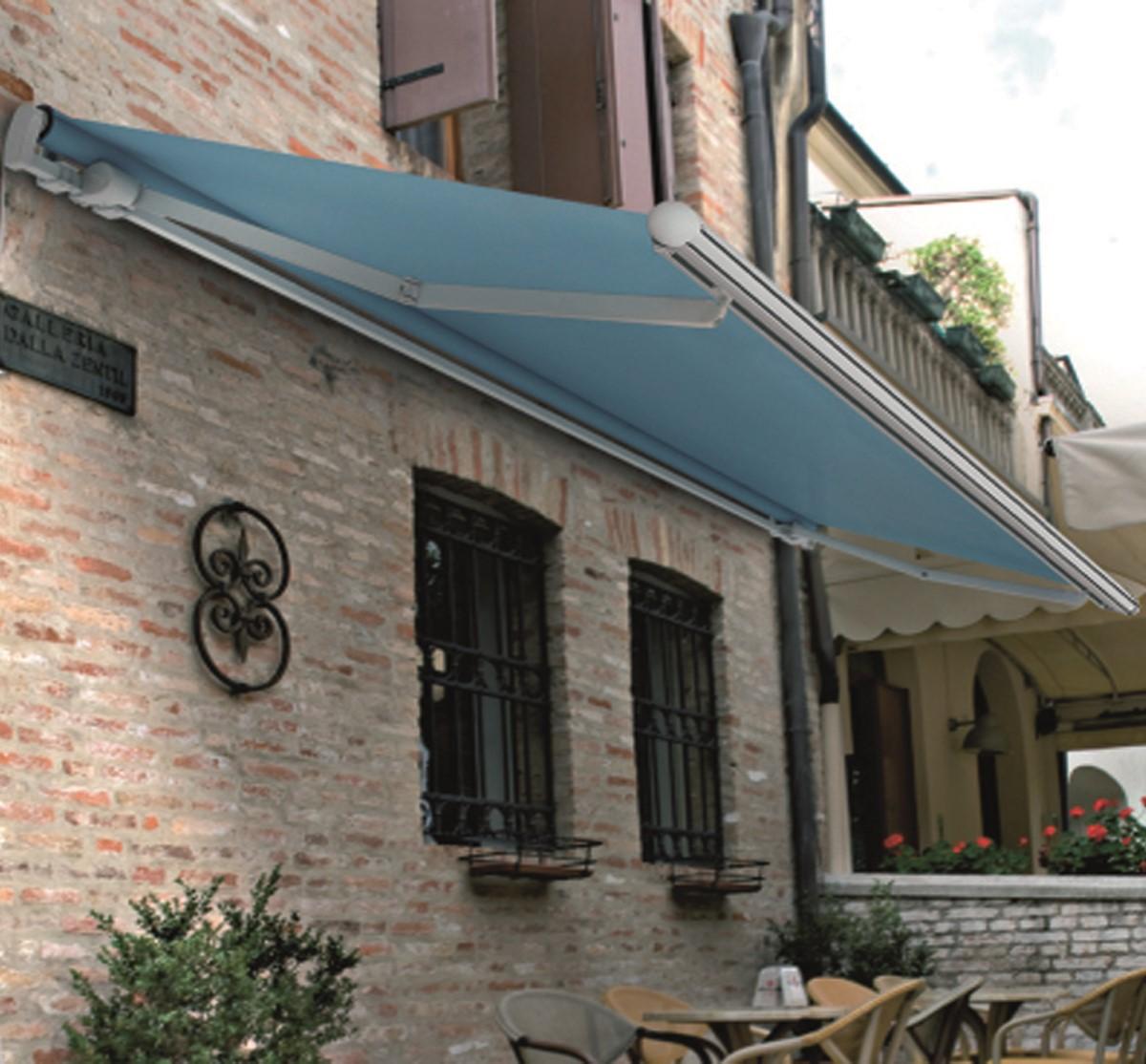 Cortinas y persianas exteriores toldos proyectantes for Toldos para locales