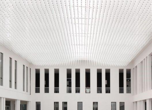 Universidad Diego Portales, Escuela de Derecho